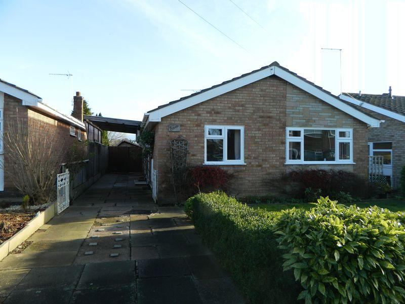 2 Bedrooms Detached Bungalow for sale in Sharnbrook Drive, Crewe