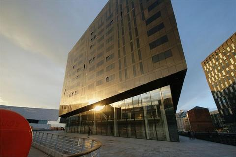 3 bedroom apartment for sale - Mann Island, Liverpool