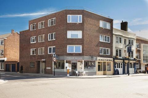 2 bedroom apartment for sale - Outstanding Two Bed Penthouse - High Street, Old Portsmouth