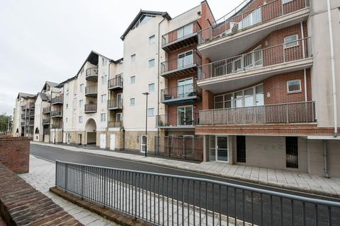 2 bedroom apartment for sale - Admirals Wharf, Lower Canal Walk, Southampton