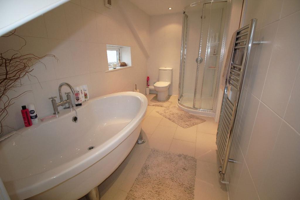 3 Bedrooms Bungalow for sale in Birchfield Way