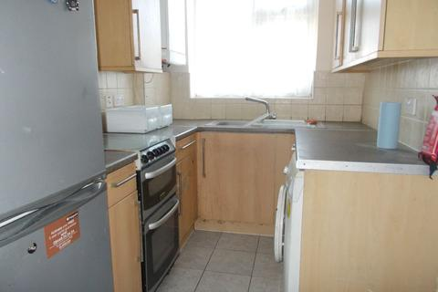 3 bedroom terraced house to rent - Leighton Close Edgware HA8