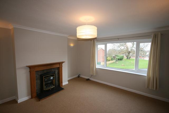 2 Bedrooms Flat for rent in Topsham - Very well presented and spacious 2 bed flat