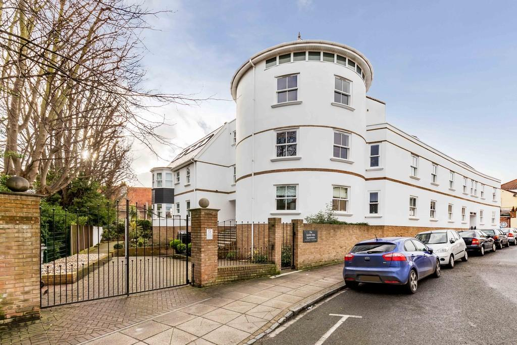 2 Bedrooms Ground Flat for sale in St. Vincent Road, Southsea