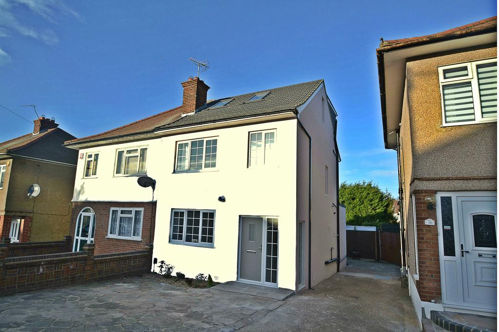 5 Bedrooms Semi Detached House for sale in Dominion Drive, Collier Row