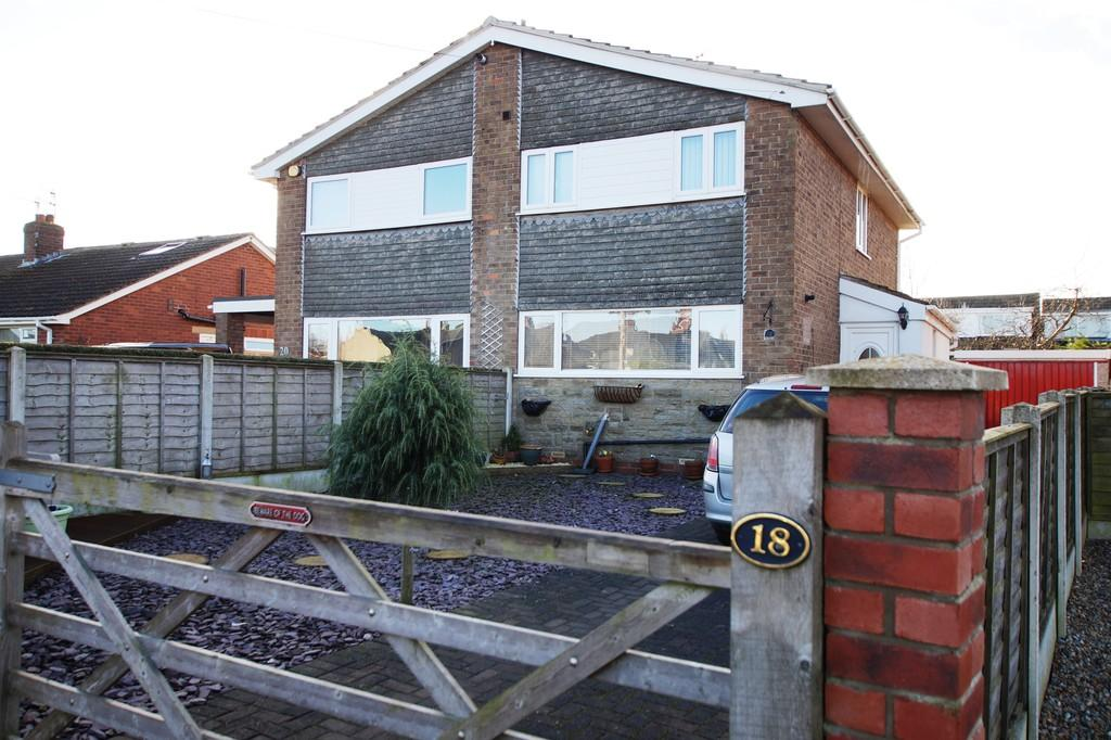 3 Bedrooms Semi Detached House for sale in Main Street Cayton Scarborough