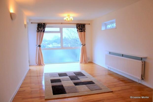 2 Bedrooms Flat for sale in Seychelle Court, 24 Foxgrove Road, Beckenham, BR3