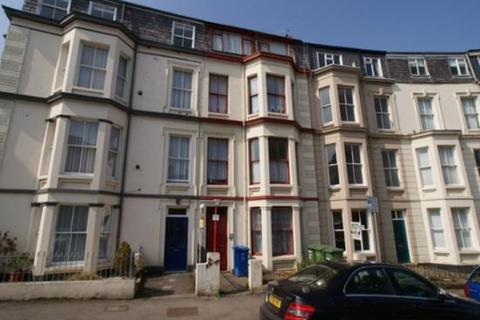1 bedroom apartment to rent - Crown Crescent, Scarborough