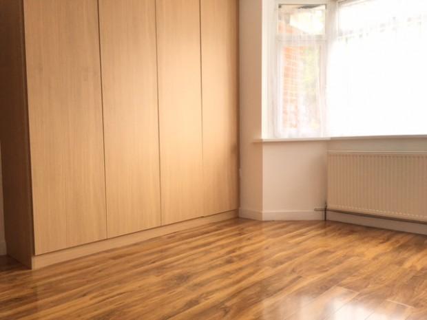 2 Bedrooms Flat for rent in New Heston Road New Heston Road, Hounslow, TW5