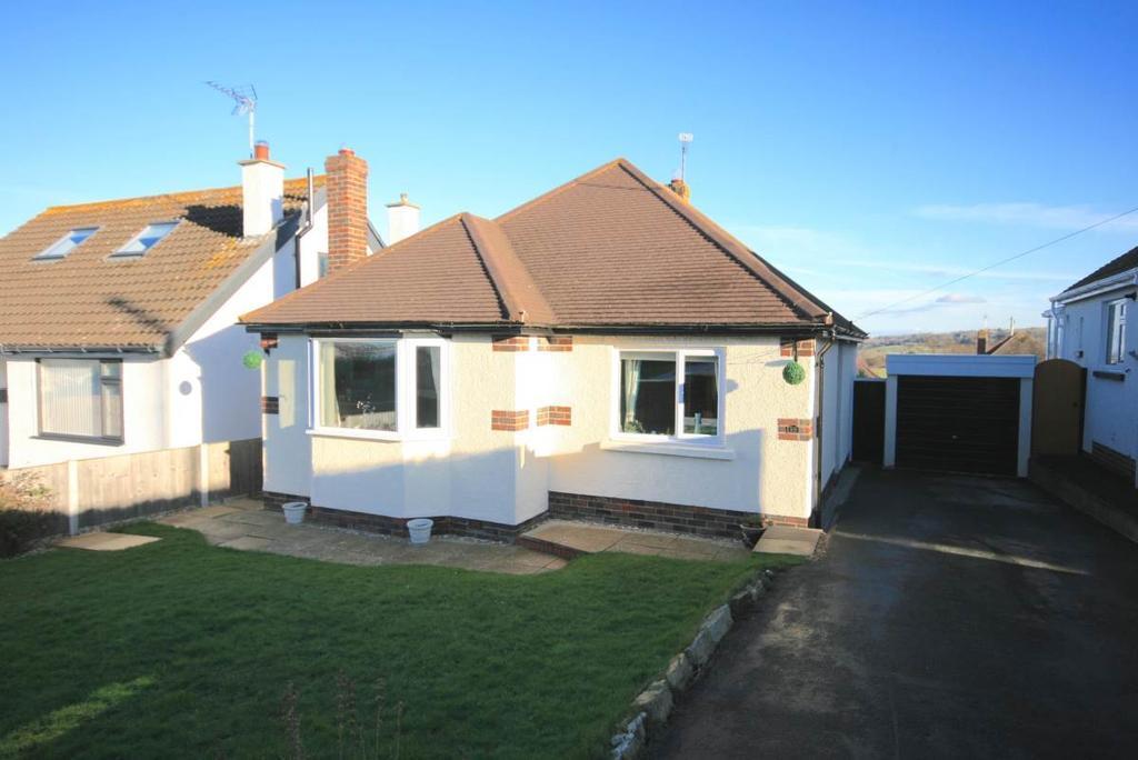 2 Bedrooms Detached Bungalow for sale in 55 Cefn Y Bryn, Llanrhos, LL30 1NL