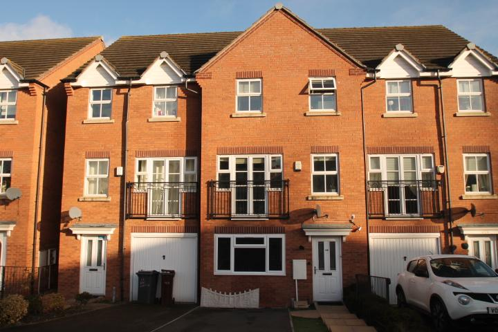 4 Bedrooms Terraced House for sale in Bay Avenue, Bilston, WV14