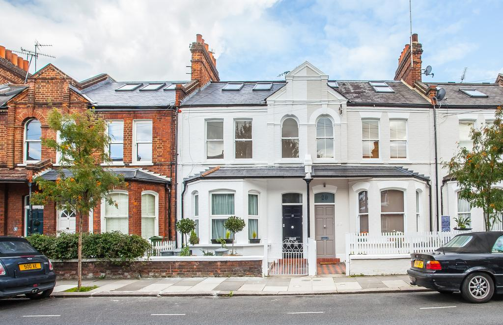 3 Bedrooms Flat for sale in Musard Road, Hammersmith, London