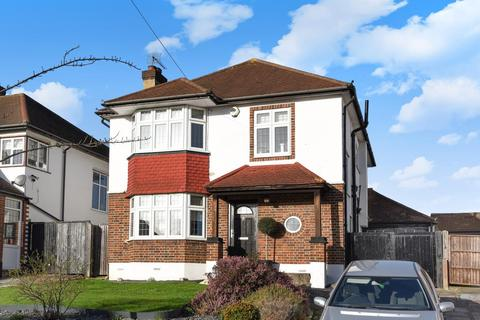 3 bedroom detached house for sale - Courtlands Avenue, Hayes