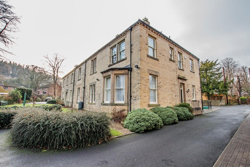 2 Bedrooms Ground Flat for sale in South Park , Hexham NE46