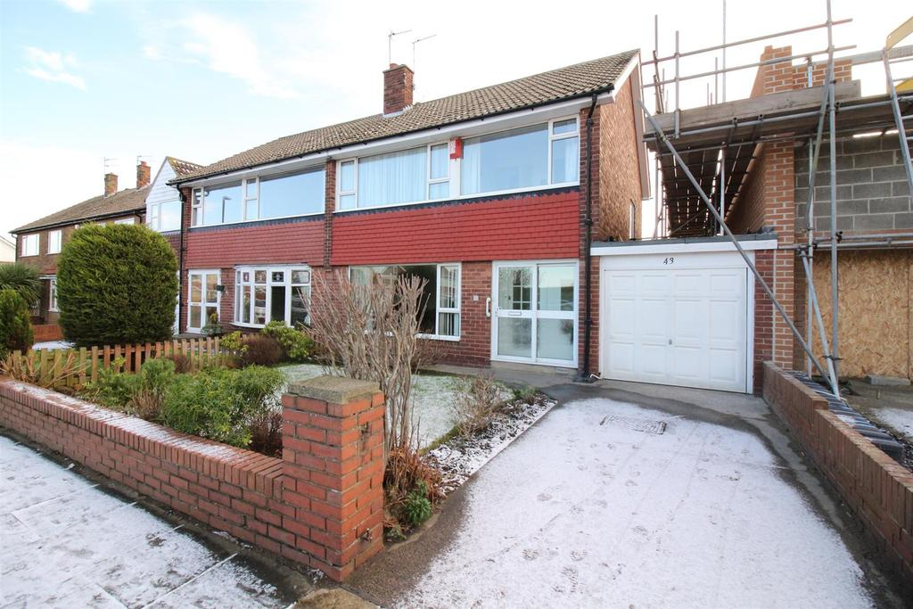 3 Bedrooms Semi Detached House for sale in Chiltern Road, North Shields