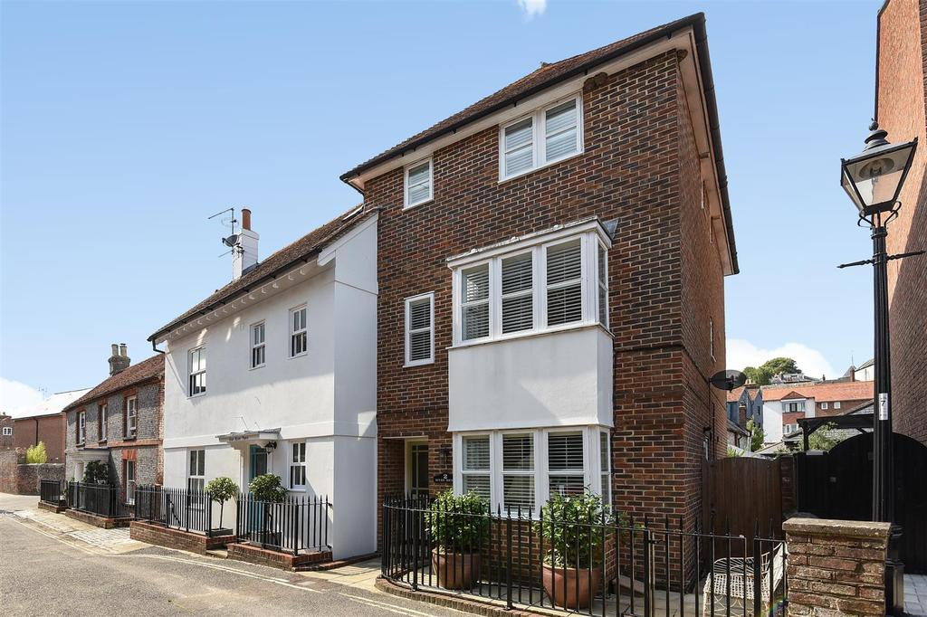 4 Bedrooms Semi Detached House for sale in River Road, Arundel