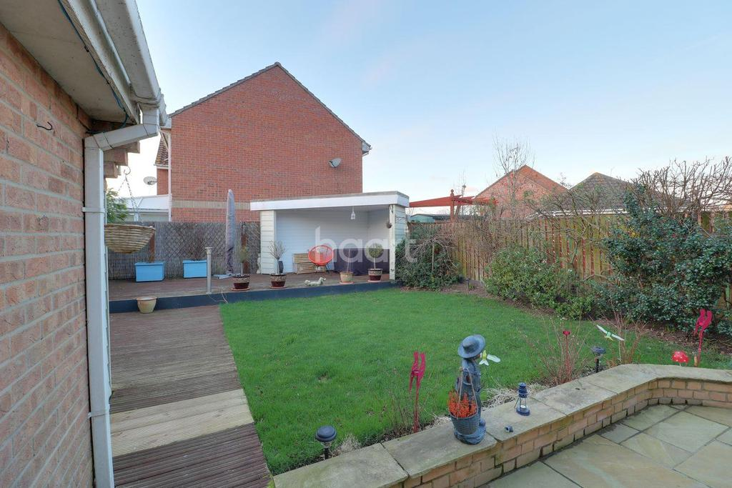 3 Bedrooms Detached House for sale in Friday Wood Green