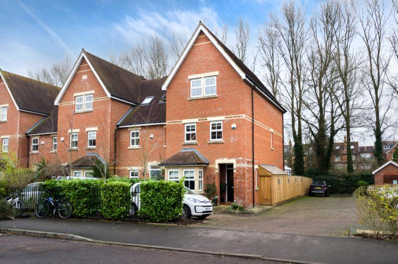 4 Bedrooms Semi Detached House for sale in Frenchay Road, Oxford, Oxfordshire