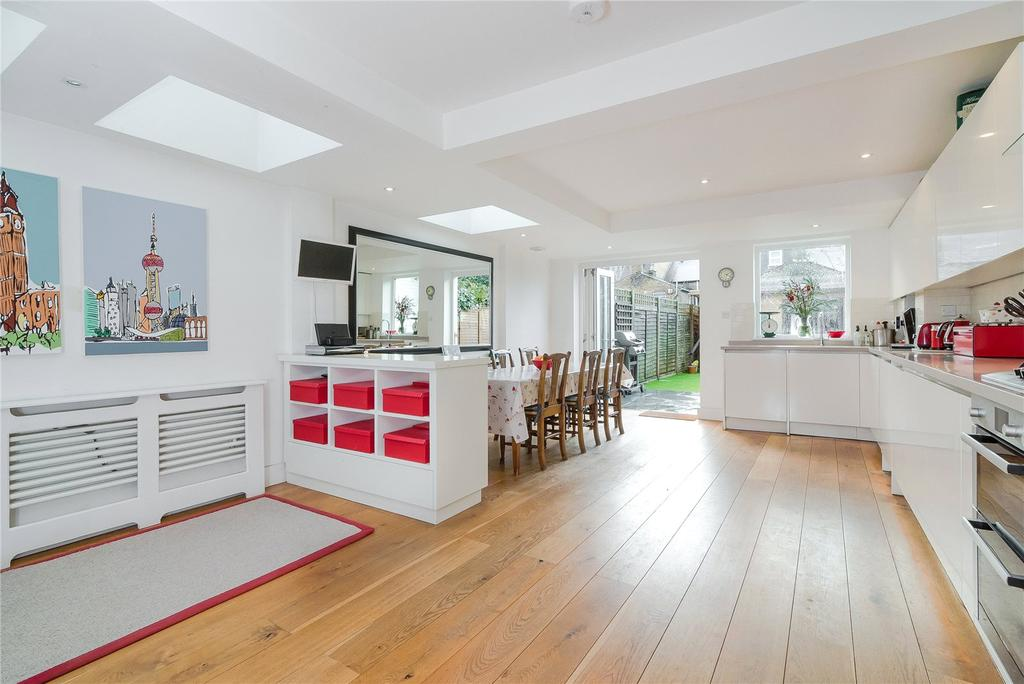 4 Bedrooms Terraced House for sale in Inman Road, London, SW18