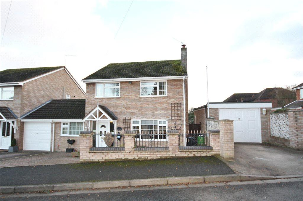3 Bedrooms Detached House for sale in Ashdown Close, Worcester, Worcestershire, WR2