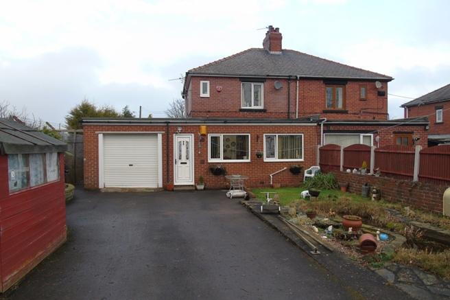 3 Bedrooms Semi Detached House for sale in 101 Shaw Lane, Carlton, Barnsley, S71 3HH