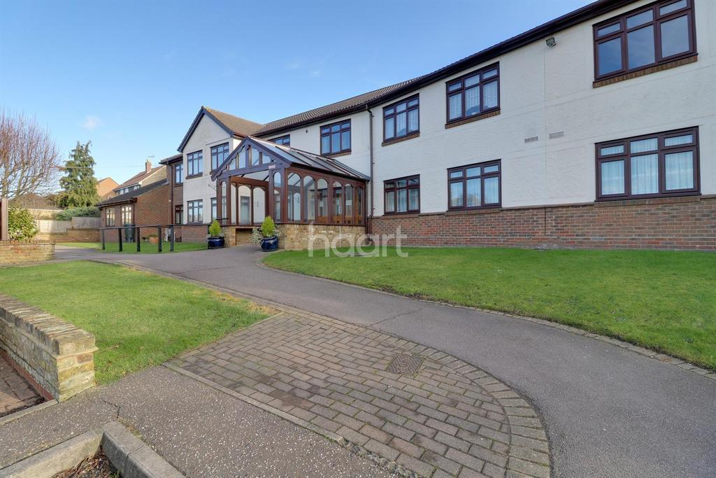 1 Bedroom Flat for sale in Sheriton Square, Rayleigh