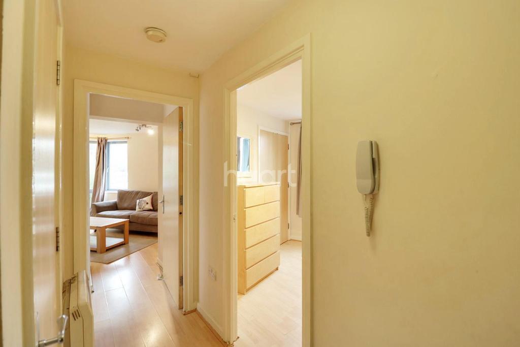 1 Bedroom Flat for sale in Lanacre Avenue, Colindale