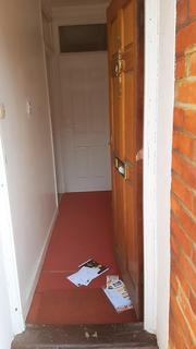 2 bedroom house share to rent - Boyd Road, Colliers Wood, London SW19