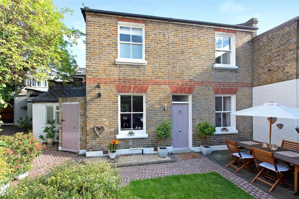 2 Bedrooms Terraced House for sale in Peyton Place, Greenwich, London, SE10