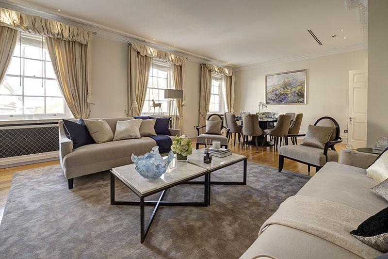 3 Bedrooms Flat for sale in Eaton Square, London. SW1W