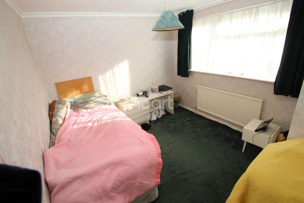 3 Bedrooms Terraced House for sale in Lucas Avenue, Chelmsford