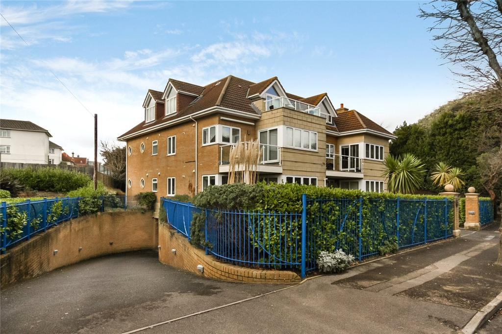 2 Bedrooms Flat for sale in Montague Road, Bournemouth, Dorset, BH5