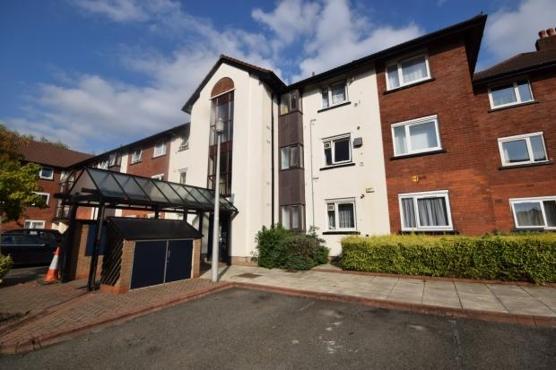 2 Bedrooms Apartment Flat for sale in Canterbury Gardens Eccles Salford