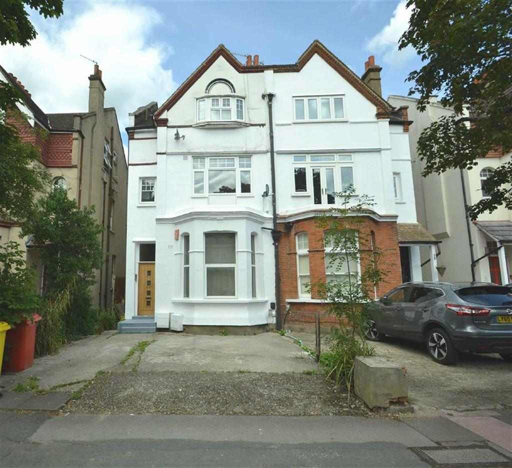 2 Bedrooms Flat for sale in Queen Anne Avenue, Bromley, Kent