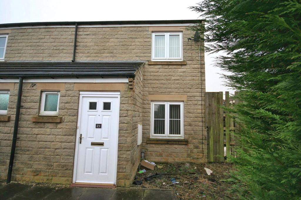 3 Bedrooms Semi Detached House for rent in Moins Close, Mixenden, Halifax, West Yorkshire, HX2