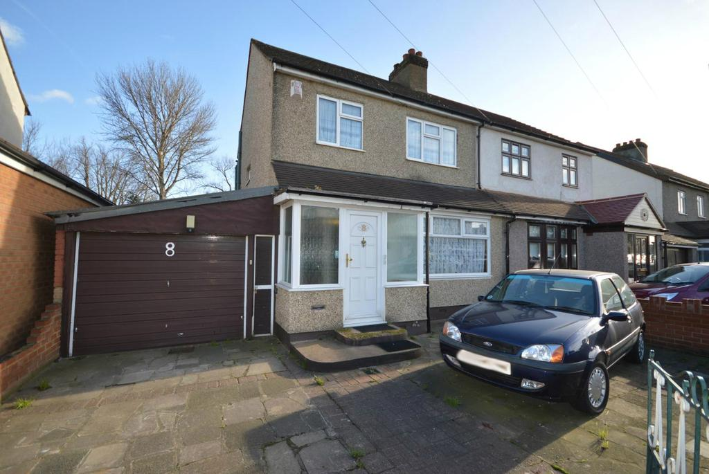 3 Bedrooms Semi Detached House for sale in Manser Road, Rainham, Essex, RM13