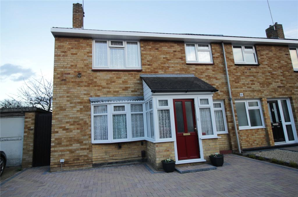 3 Bedrooms End Of Terrace House for sale in Latchetts Shaw, Basildon, Essex, SS16