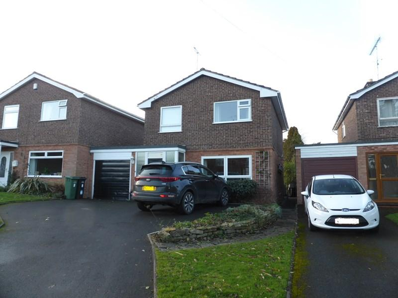 3 Bedrooms Detached House for sale in Brook Lane, Charlton, Pershore