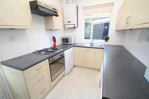 3 bedroom semi-detached house to rent - HENCONNER AVENUE, CHAPEL A, LS7 3NW