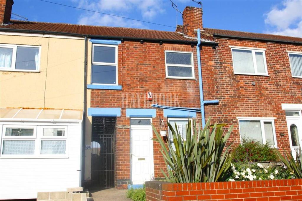 2 Bedrooms Semi Detached House for sale in St Johns Road, eastwood