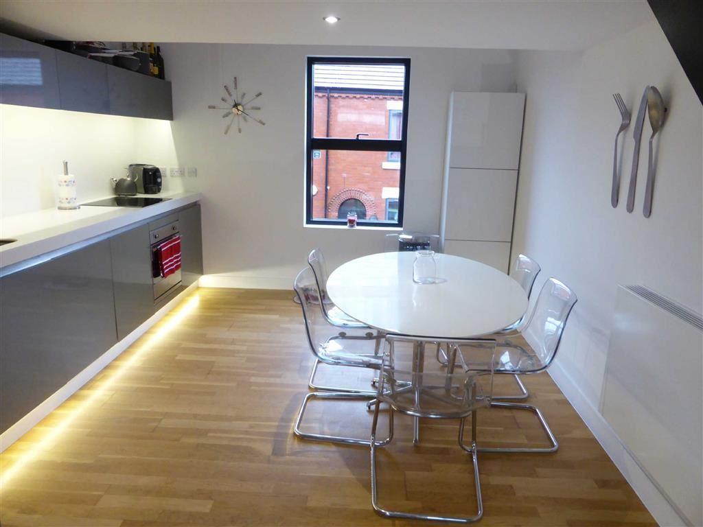 2 Bedrooms Terraced House for sale in Alder Street, Chimney Pot Park, Salford