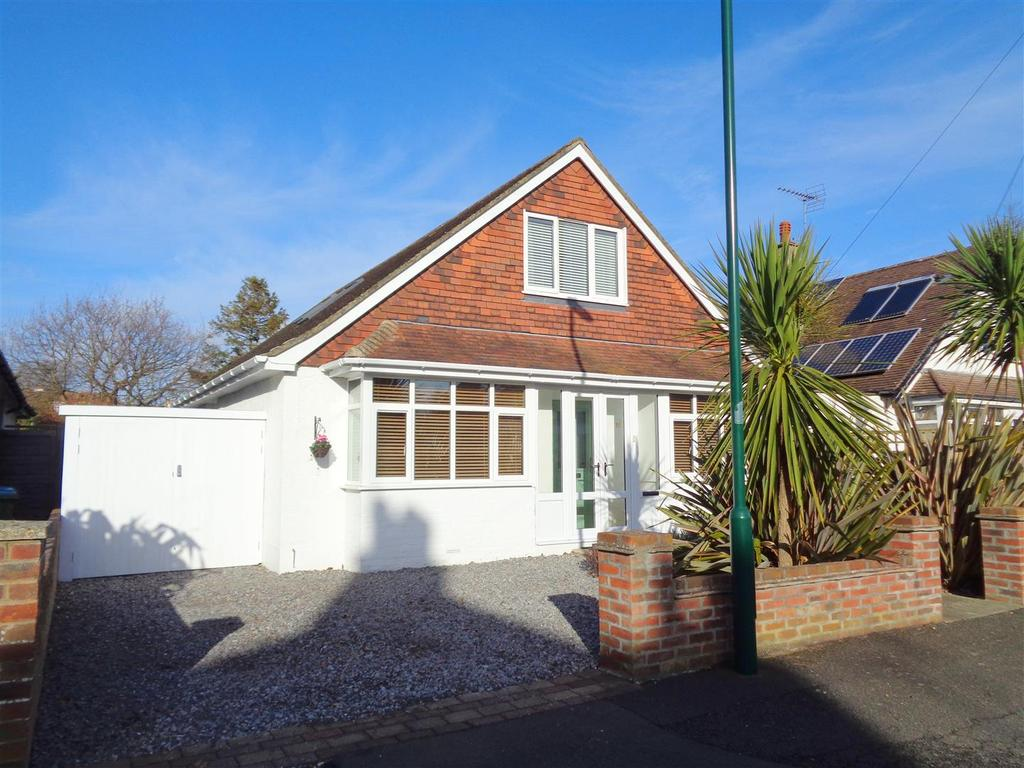 4 Bedrooms Detached House for sale in South Avenue, Aldwick