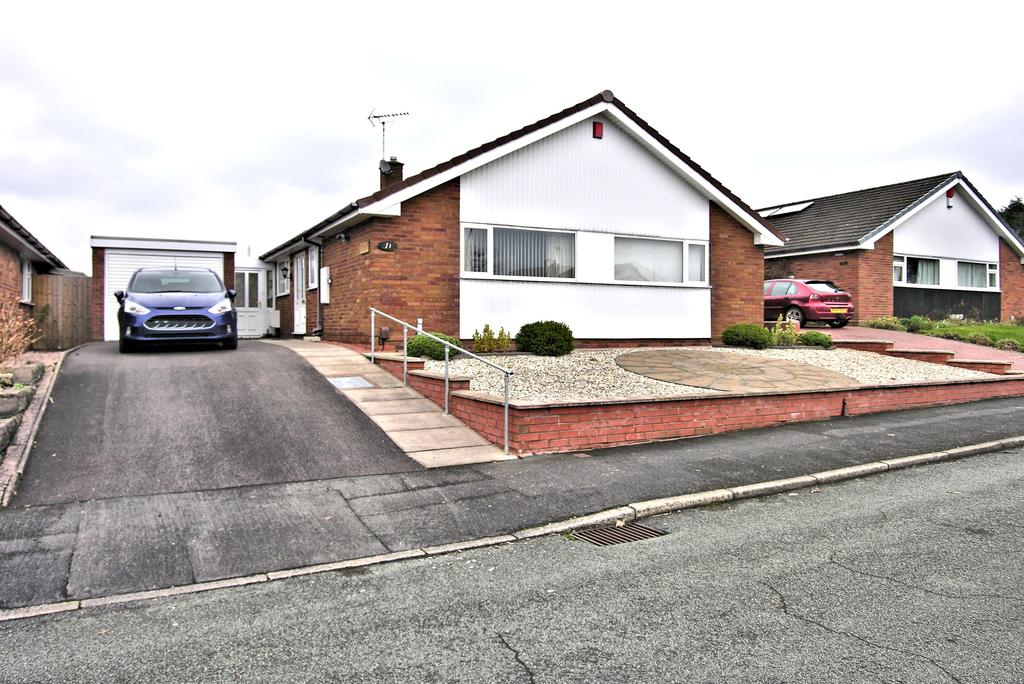 3 Bedrooms Detached Bungalow for sale in AVON CLOSE, KINGSTON HILL, STAFFORD ST16