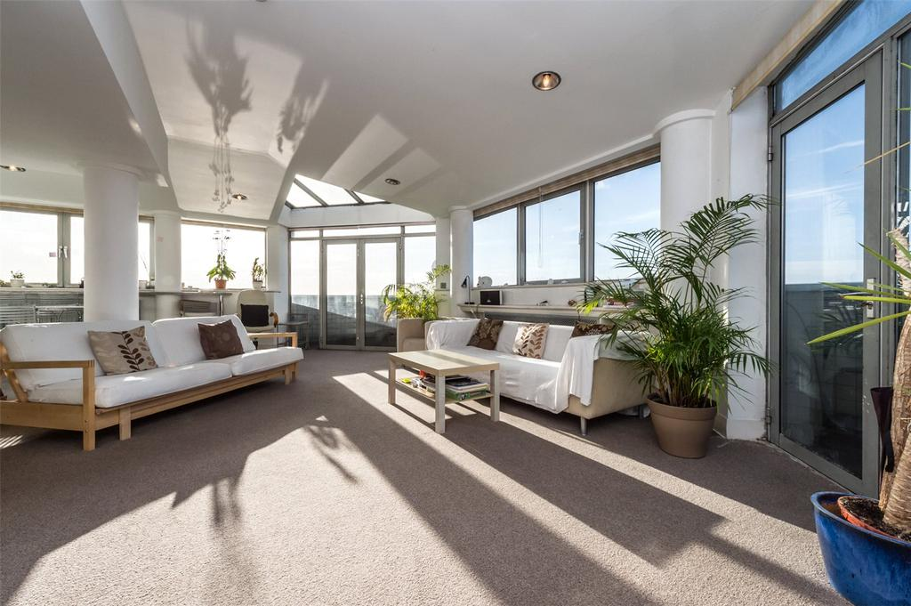 3 Bedrooms Penthouse Flat for sale in Park South, Austin Road, London, SW11