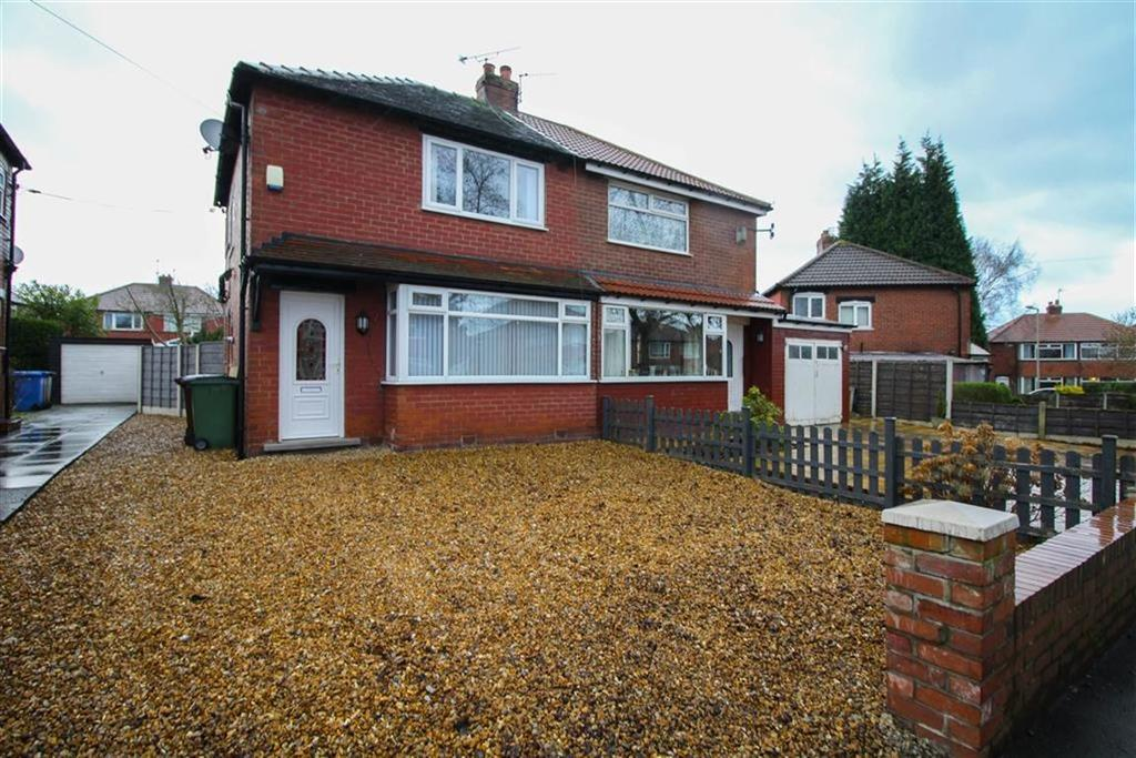 2 Bedrooms Semi Detached House for sale in Longford Road West, Reddish, Stockport