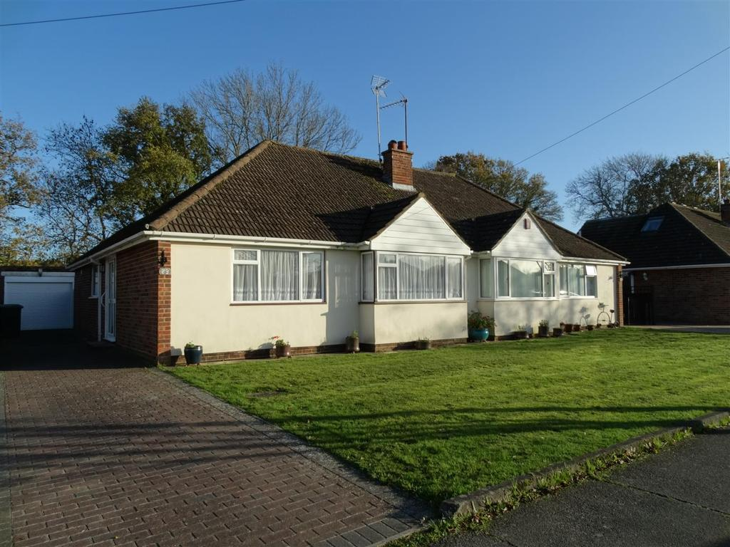 3 Bedrooms Bungalow for sale in Potters Lane, Burgess Hill