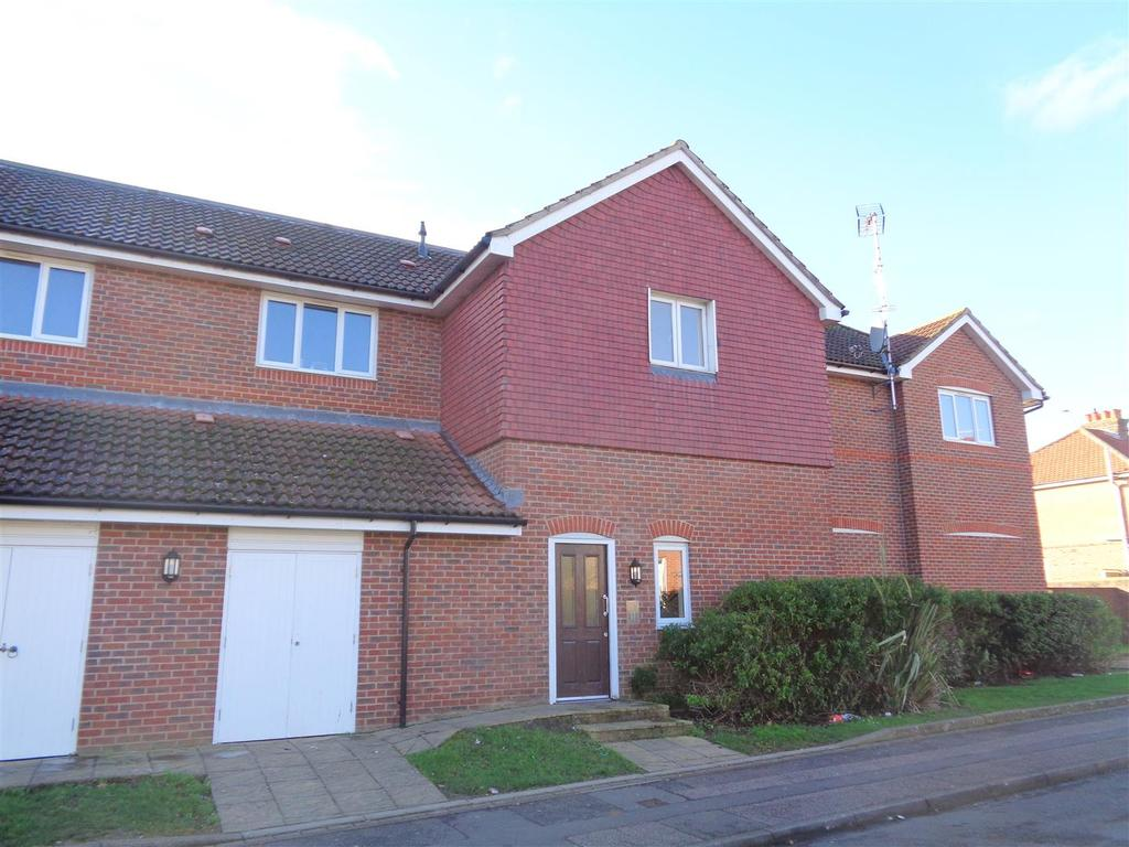 2 Bedrooms Flat for sale in Gravits Lane, Bognor Regis