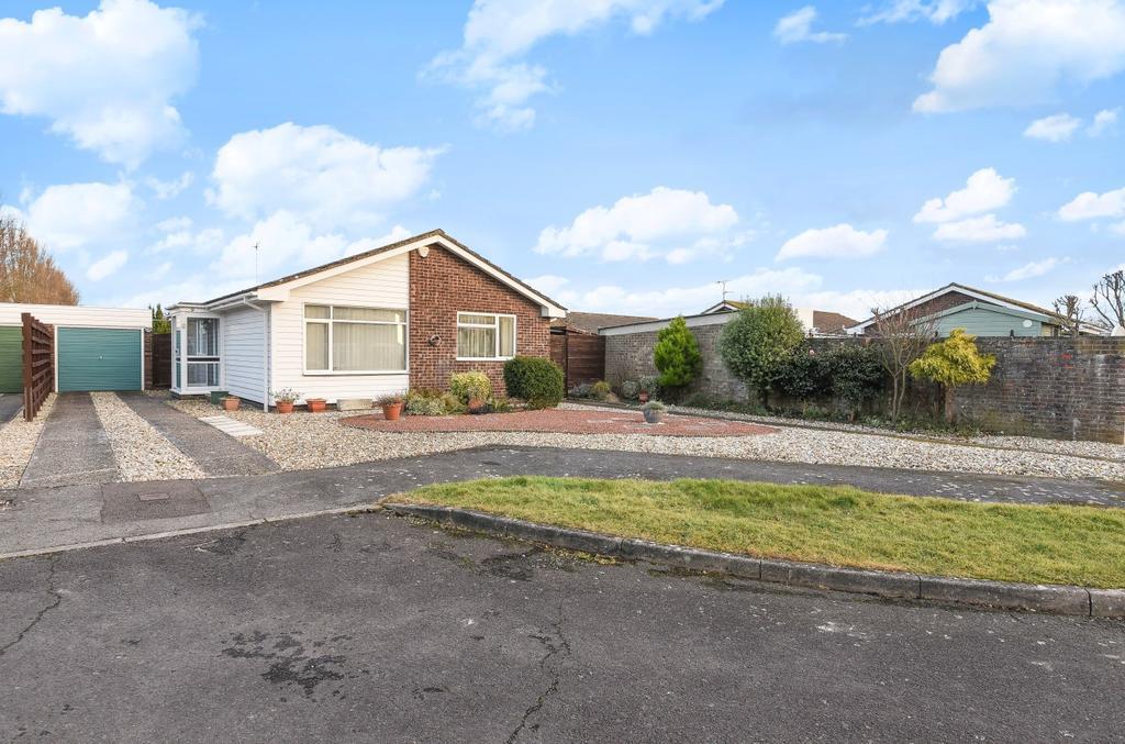 3 Bedrooms Detached Bungalow for sale in Copthorne Way, Pinehurst Park, Bognor Regis, PO21