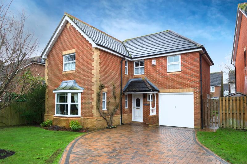 4 Bedrooms Detached House for sale in Inkerman Close, Abingdon, Oxfordshire