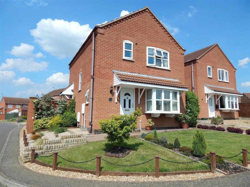 3 Bedrooms Detached House for sale in Pakenham Drive, Dersingham, King's Lynn